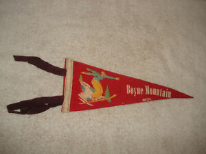 VINTAGE-1940s-Boyne-Mountain-Michigan-wool-felt-Pennant