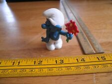 Smurf figure 1979 handing flowers on date shy VINTAGE Schleich Hong Kong