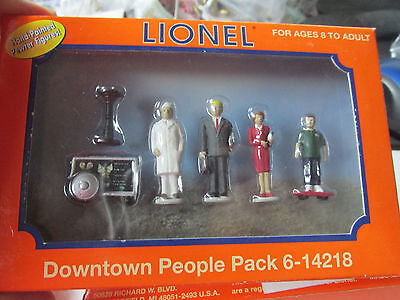 Downtown People Pack #6-14218  Set of 6 Figurines  New in Box   No Reserve!!
