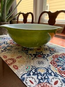 Pyrex bowl 4 qt green 4 inches tall Pyrex model number 444 vintage Pyrex mixing
