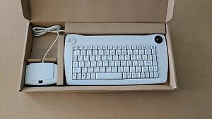 ADESSO-ACK-573U-88-Normal-Keys-IR-Wireless-Mini-Keyboard