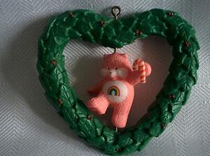 Vintage-1985-CHEER-BEAR-in-Heart-Wreath-Christmas-Ornament-Spins-Care-Bears