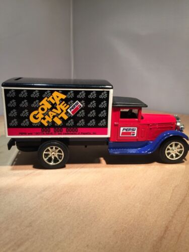 PEPSI COLA DIE CAST 1931 INTERNATIONAL DELIVERY TRUCK COIN BANK by SCALE MODEL