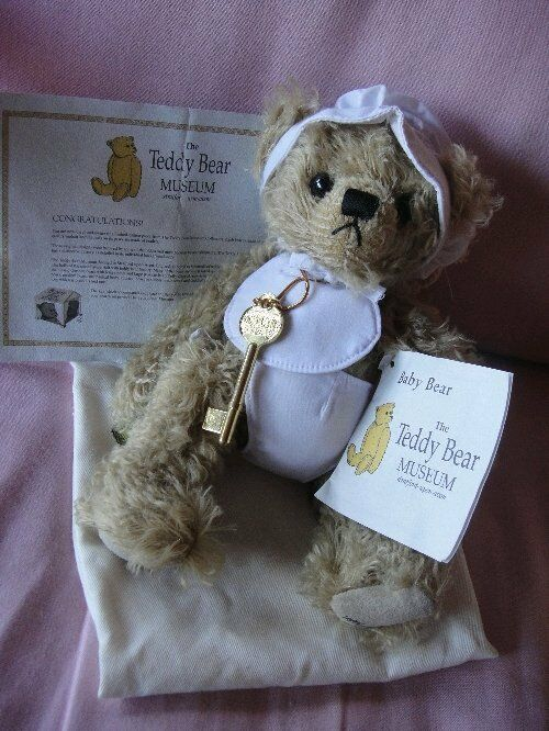 Teddy Bear Museum - Baby Bear - Limited Edition 1493 2000 - New