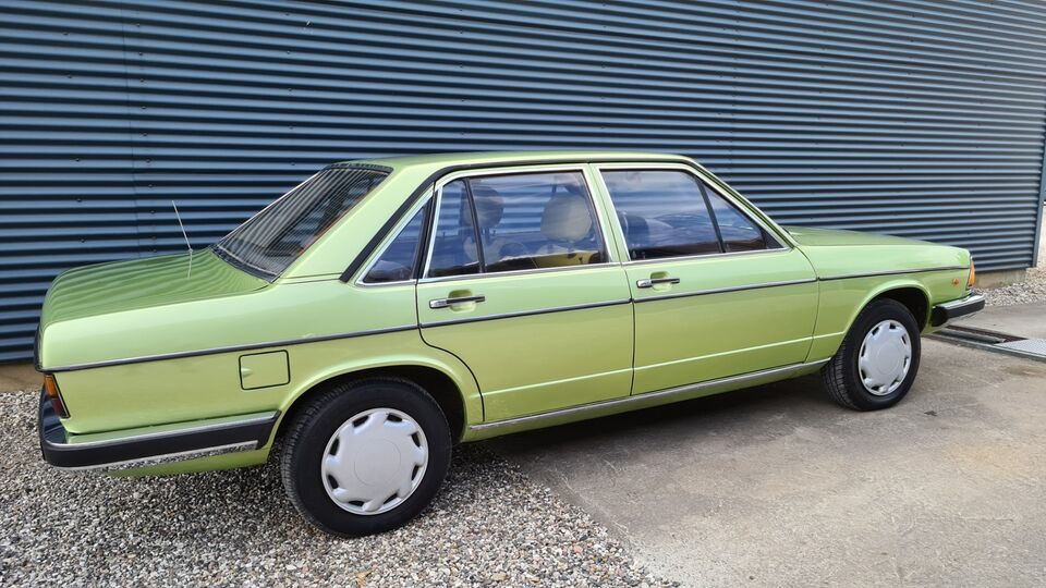 Audi 100 1,6 Benzin modelår 1978 km 138000 Lysgrønmetal