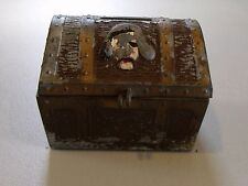VINTAGE METAL PIRATE TREASURE CHEST BANK (BY E.J. KAHN CO. IN CHICAGO ILL.)