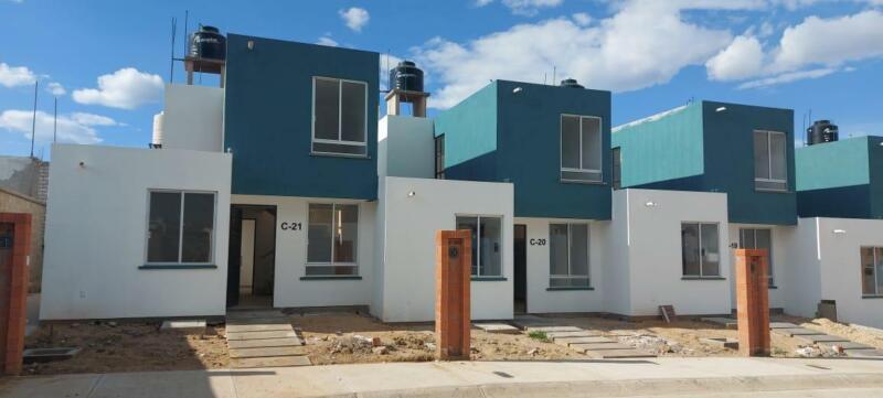 Casa en venta en Conjunto Habitacional Las Lomas en Oaxaca, Oaxaca, 3 recámaras