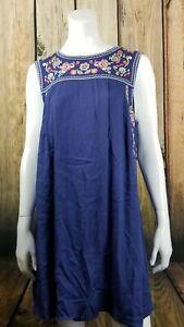 En-Creme-Sleeveless-Embroidered-Blue-Dress-Size-Large
