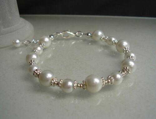 Neu~Armband mit Perlen in creme-weiß*18-21 cm variable