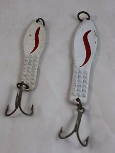 Two-VINTAGE-Tuna-Fishing-Jigs-Spoofer-Iron-White-4-034-and-5-034