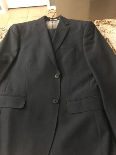 Men's Slim Fit Suit Sz 40S