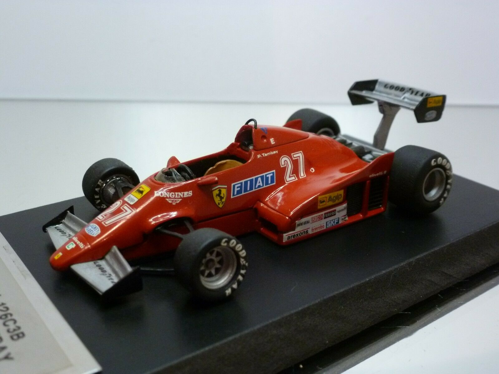 HIFI FERRARI 126C3B  - GP ITALY '83 - TAMBAY  27- F1 rouge 1 43 - VERY GOOD on BASE  promotions d'équipe