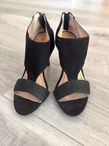 BCBG-Generation-Women-039-s-Heels-Peep-Toe-Black-Suede-Zipper-Back-Size-8-38