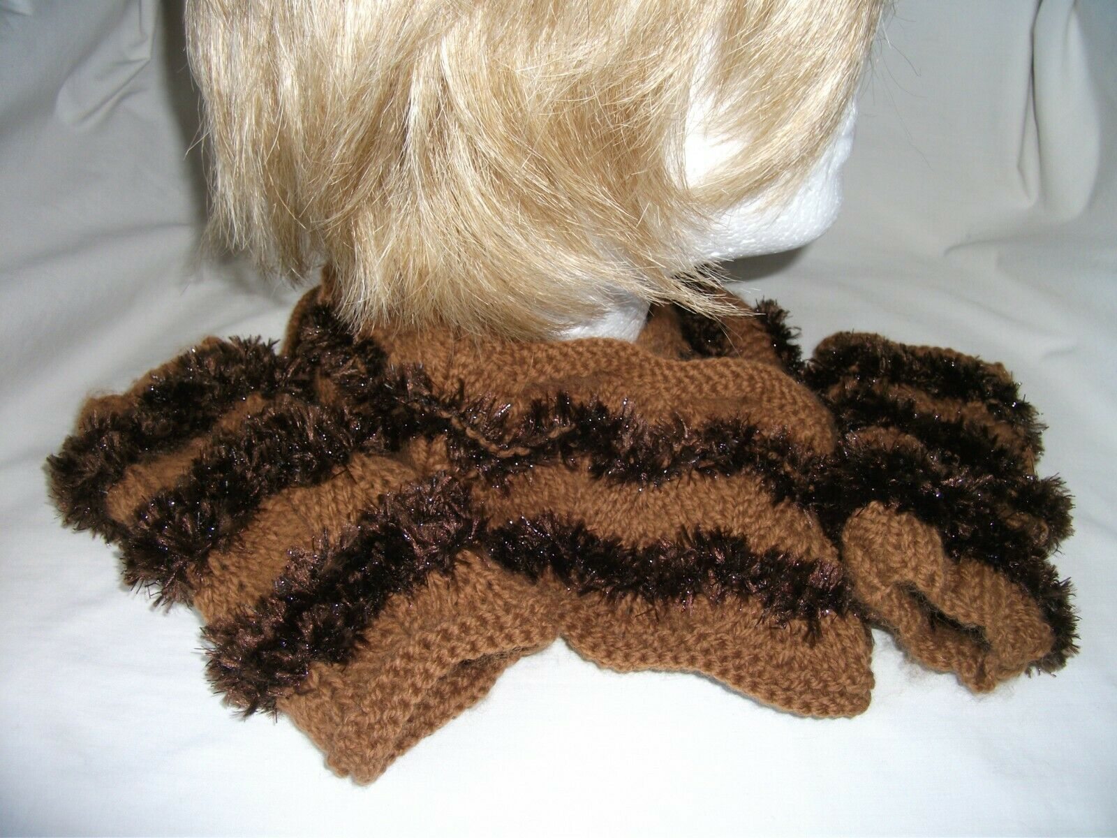 Highly Individual Hand-knitted Snood & Wrist Warmers Ref 2613