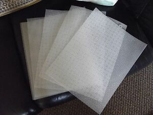 8-Large-Sheets-of-Plastic-Canvas-7-Mesh-12X18-Clear-Darice