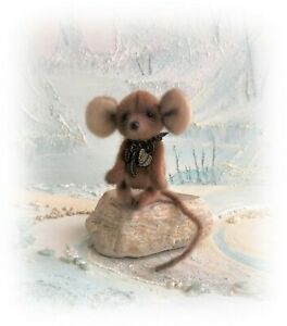 3-034-Faux-Fur-Little-Baby-Brown-Mouse-OOAK-jointed-Artist-Bear-one-off-Design