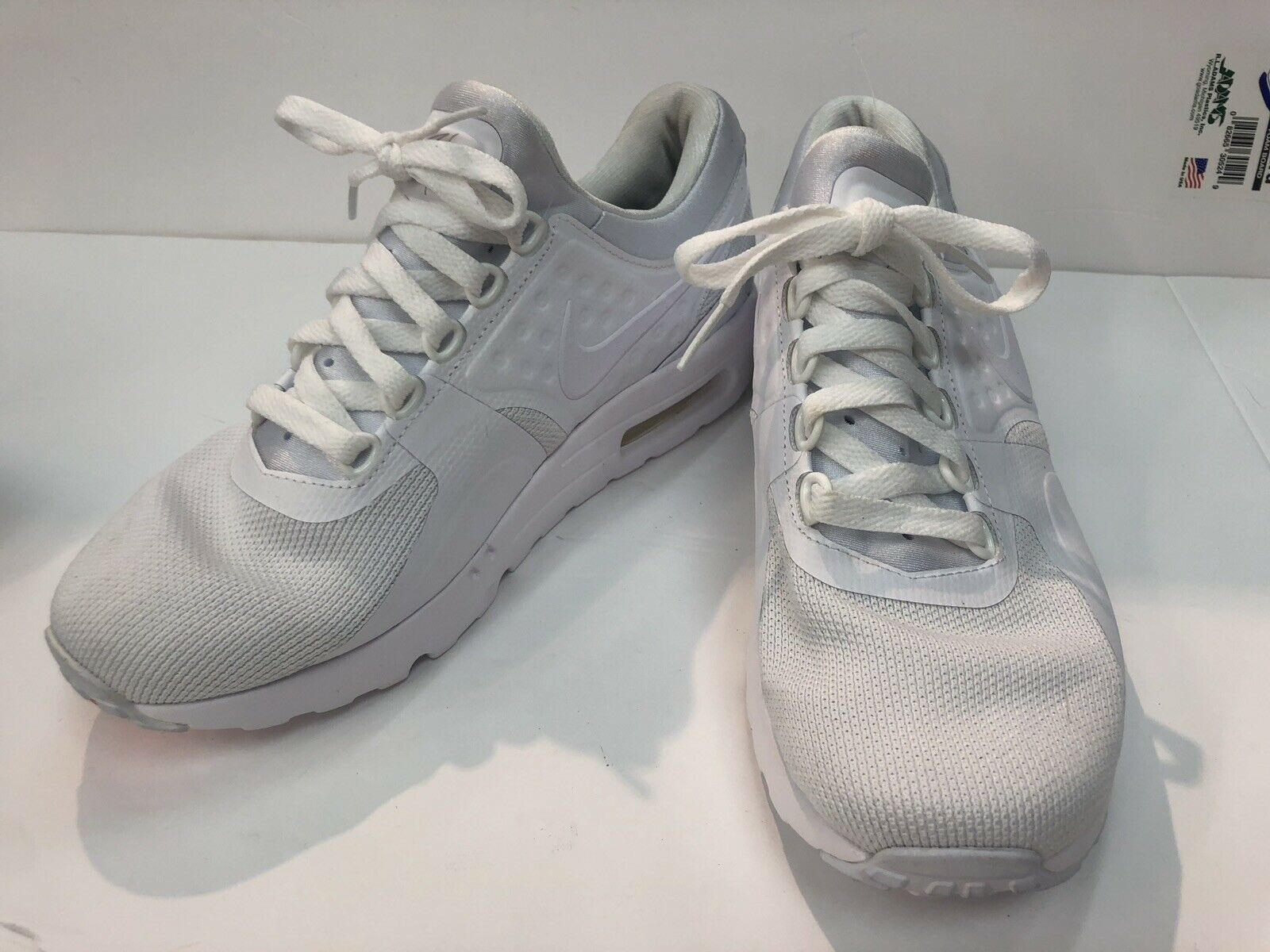 NIKE AIR MAX ZERO ESSENTIAL MENS ATHLETIC SHOES 876070 100 WHITEWHITE WOLF GREY