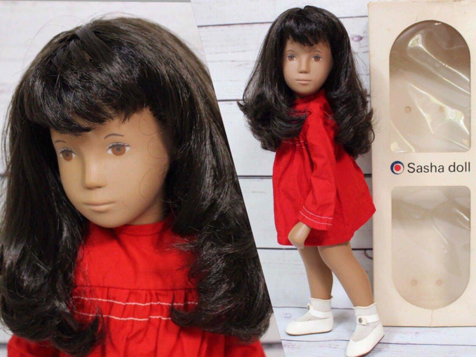 16  Vintage 104 SASHA Doll Brunette rot Dress, Box,England.