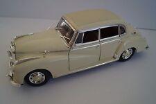 Ricko Modellauto 1:18 Mercedes-Benz Typ 300 c