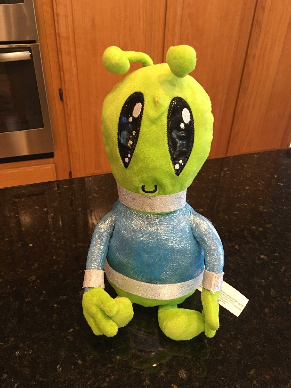 Gemmy green alien singing dancing plush sings  Counting Stars  RARE animated