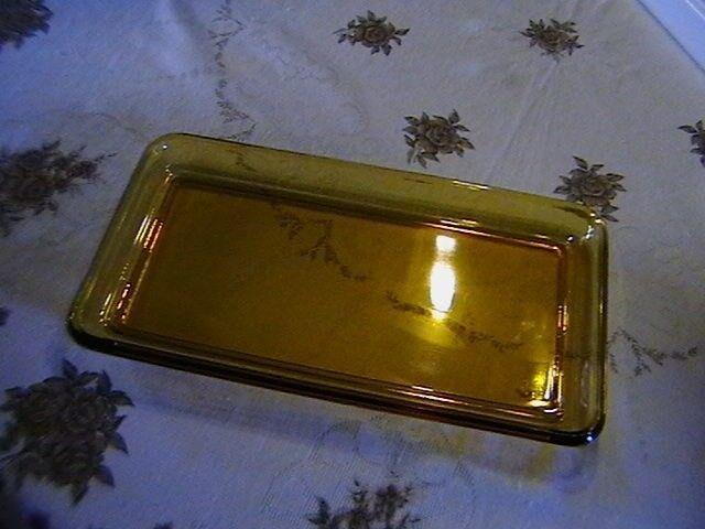 Glas, Ældre Glasfad., Gyldent glas. 17,5 +33 cm.