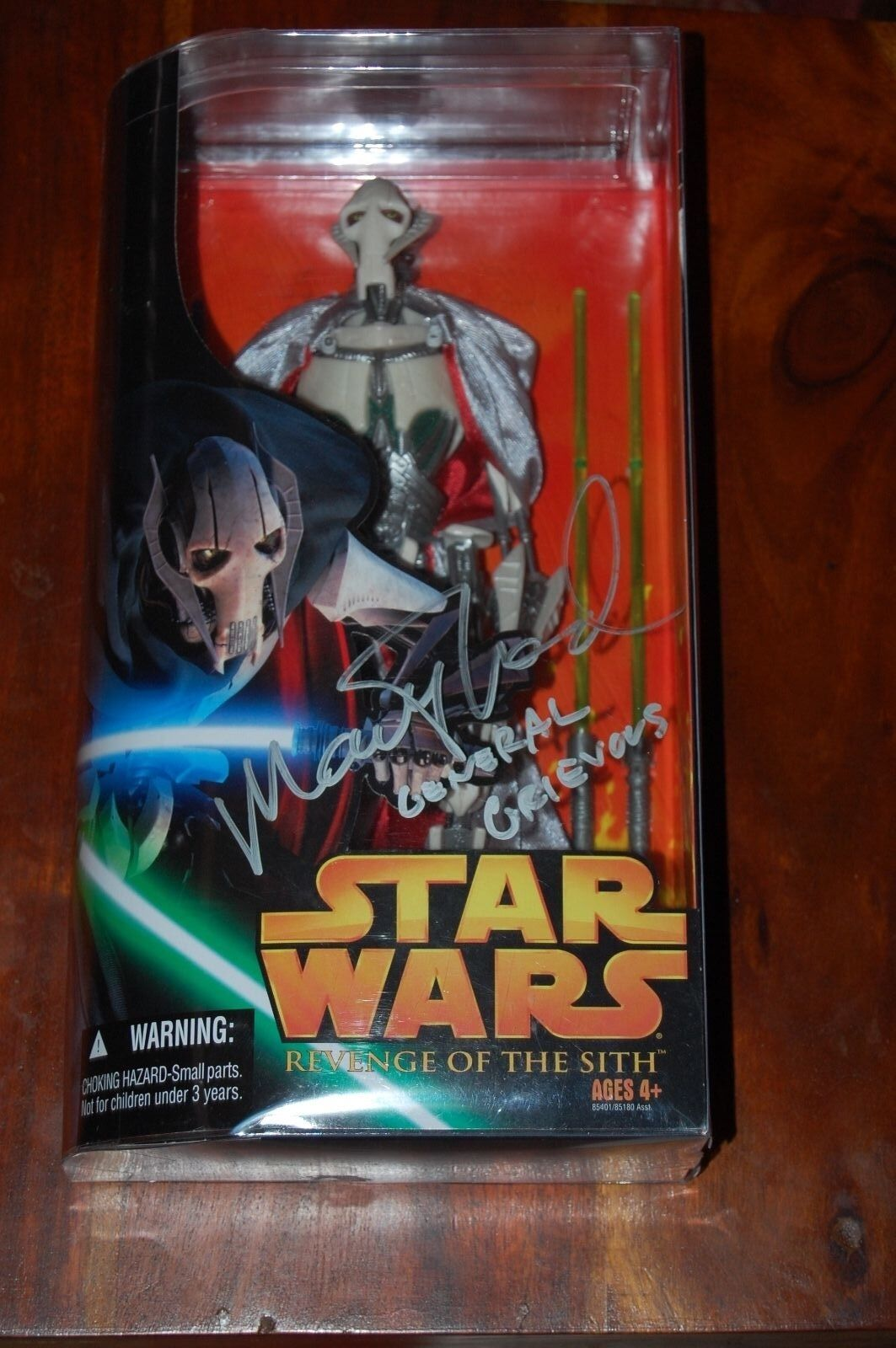 General Grievous 12  Autographed Matthew Wood-Star Wars-Nuovo 1/6th Scale MIB