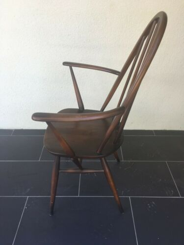 6 Ercol Windor Quaker Chairs ( 4 dining & 2 Carver style)