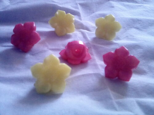 5 Flower Buttons 18mm Pink or Yellow