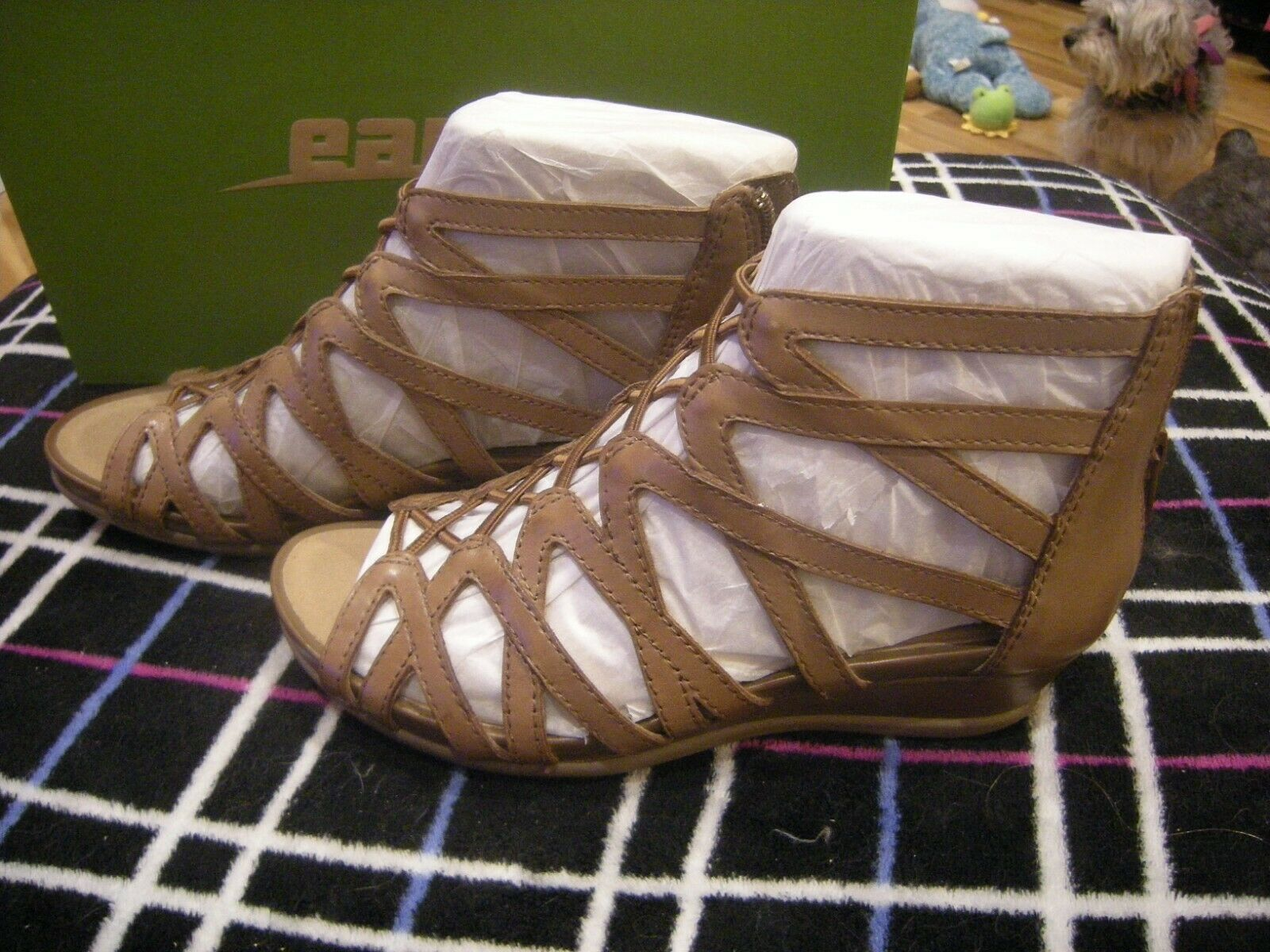 New Womens Almond Brown Soft Leather Earth Juno Sandals, Size 6
