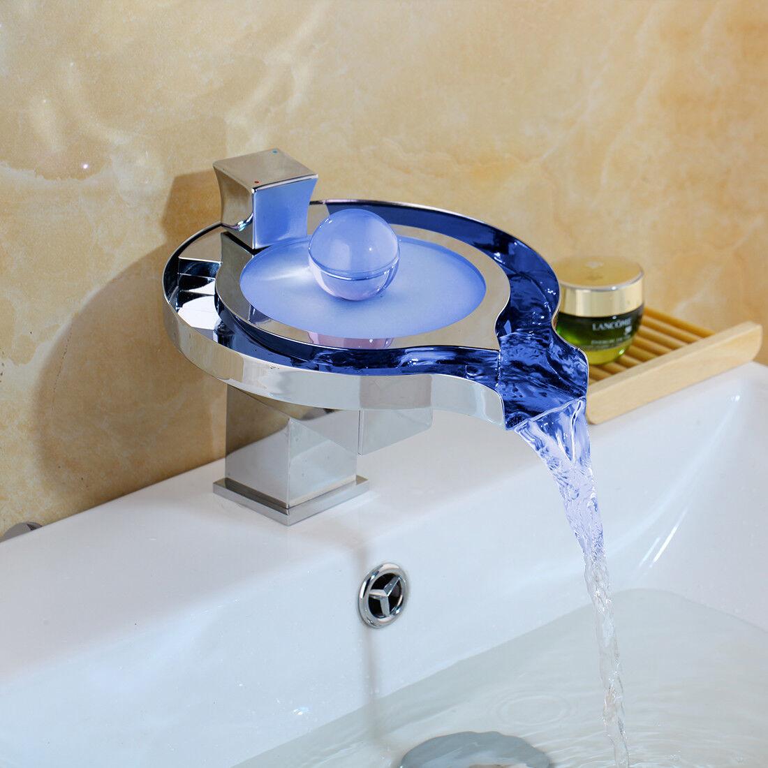 Rubinetto per lavabo a cascata a LED cromato Rubinetto per lavabo a incasso quad