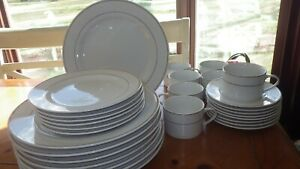 Gibson-Dinnerware-Set-Classic-Gold-service-for-6-EUC-29-pieces