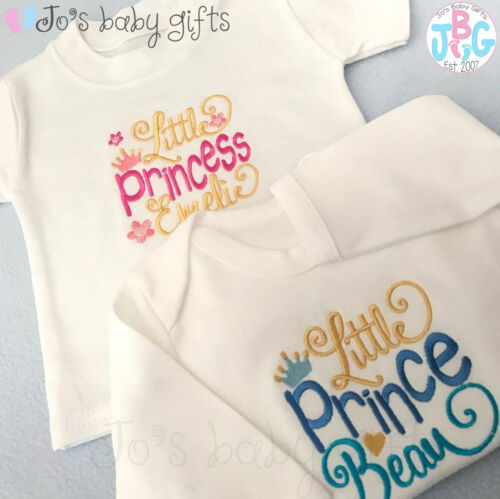 Personalised baby baby grow//sleepsuit//t-shirt ou débardeur prince ou princesse couronne