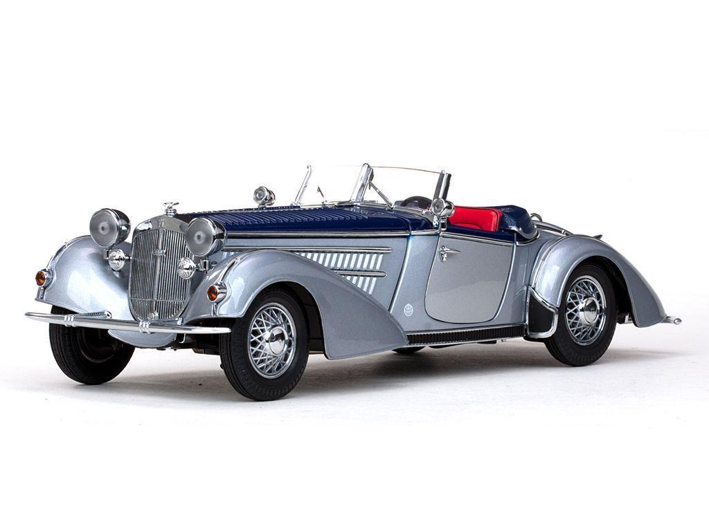 1939 Horch 855 Silver blueee 1 18 SunStar 2403