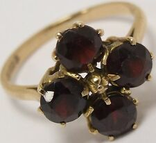 Beautifull 9Carat Yellow Gold Round Garnet Gemstone Cocktail 9ct Ring - Size O
