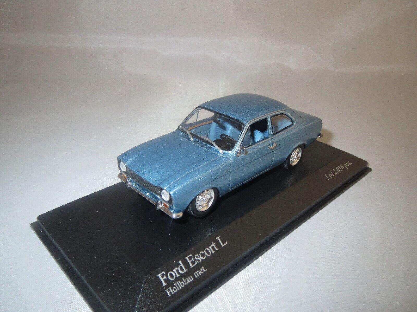 Minichamps  Ford  Escort L   1971   (light bluee met.)  1 43  OVP