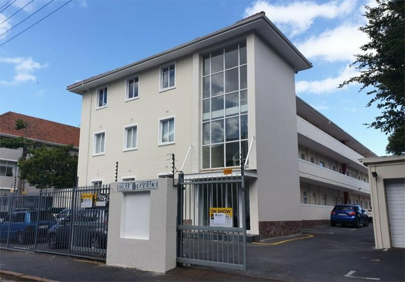 ON SHOW SUNDAY 2 - 5PM. TWO BEDROOMED APARTMENT WITH PARKING BAY FOR SALE