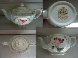 VINTAGE-THEIERE-QUEEN-039-S-REDOUTES-ROSES-FINE-BONE-CHINA