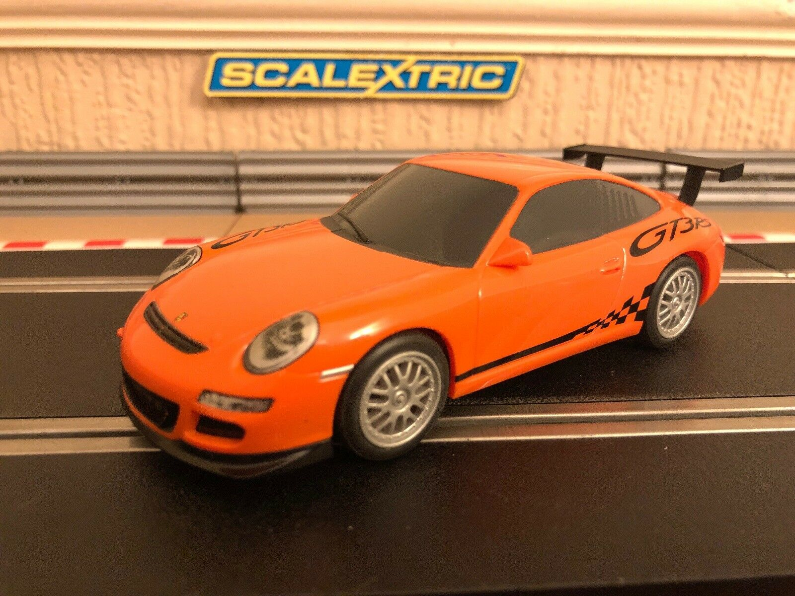 Scalextric Porsche 997 GT3RS Extremely Rare Livery Mint Condition
