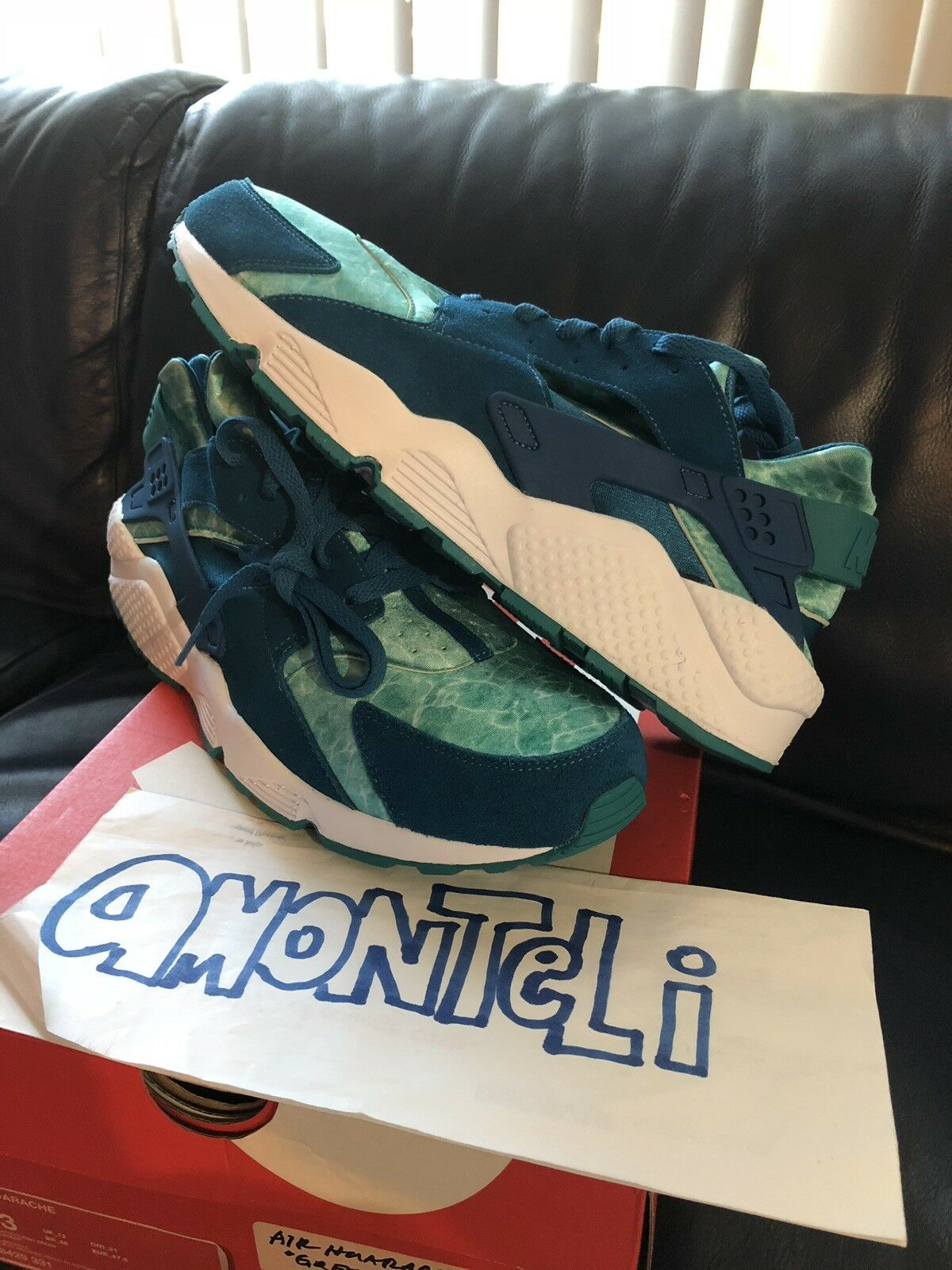 BRAND NEW NIKE AIR HUARACHE GREEN ABYSS - SIZE 13 (FITS A SIZE 12)