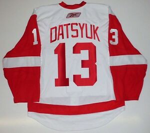 huge discount ed9a5 63aab Details about PAVEL DATSYUK DETROIT RED WINGS REEBOK EDGE 2.0 AUTHENTIC  JERSEY 54
