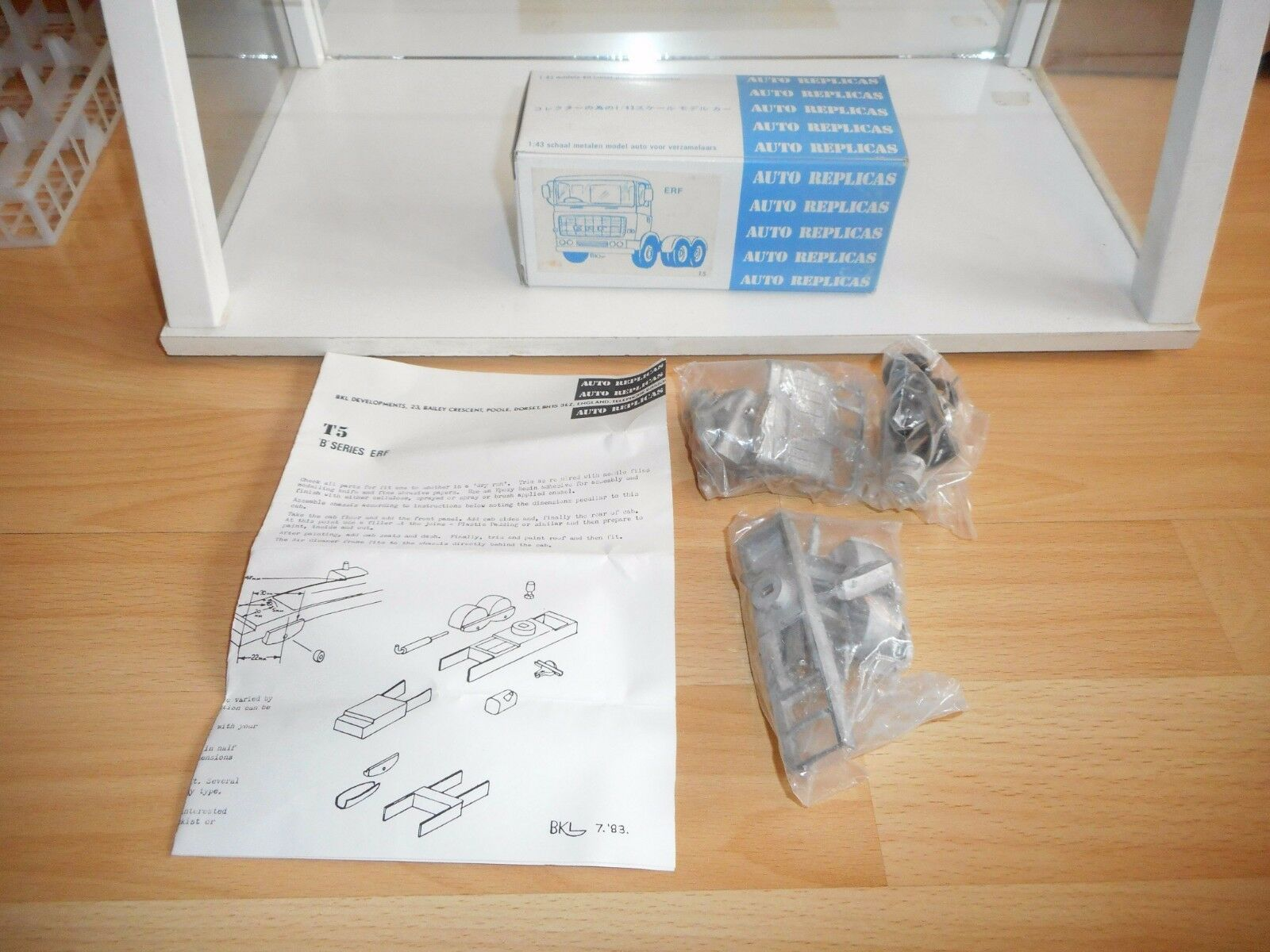Metal Modelkit Auto Replicas ERF T5 on 1 43 in Box