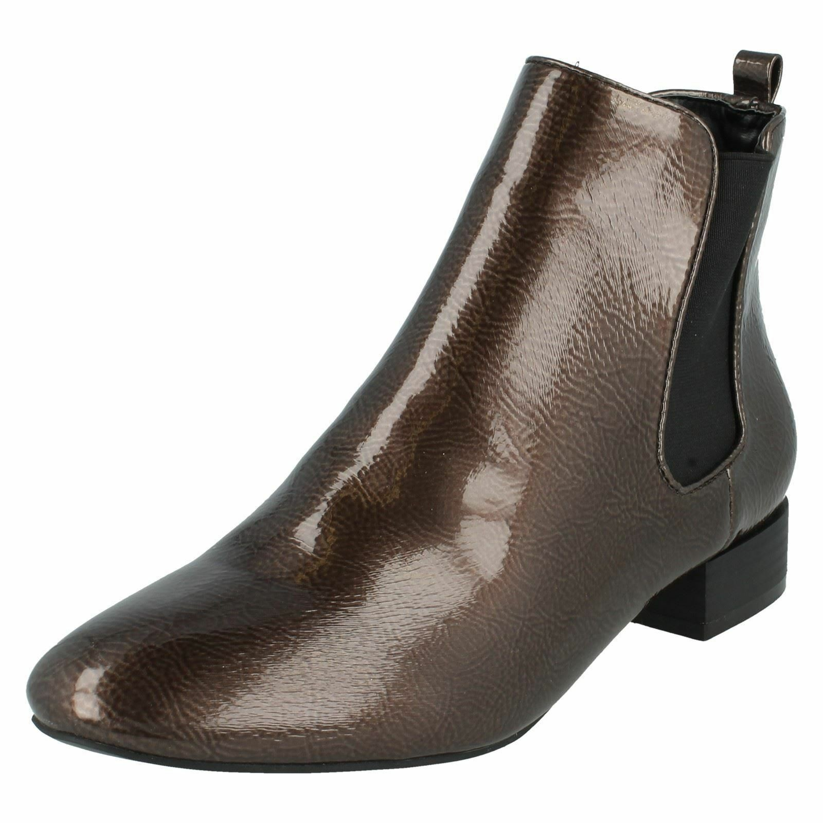 "Spot On F50558 Ladies Grey Crinkle Patent 1"" Block Heeled Chelsea Boots"