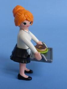 PLAYMOBIL-SERVEUSE-AVEC-PLATEAU-PLAQUE-amp-doughnut-series-10-feminin-Figurine