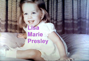 LISA-MARIE-PRESLEY-CUTE-AS-BABY-ON-HUGE-PILLOW-ELVIS-PRISCILLA-5x7-PHOTO-CANDID