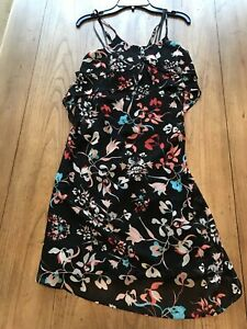 BCBG-Maxazria-NWT-Women-s-Layered-Flowing-Floral-Dress-Size-Small