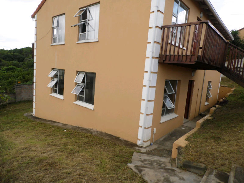 Townhouse for rent in Beacon Bay