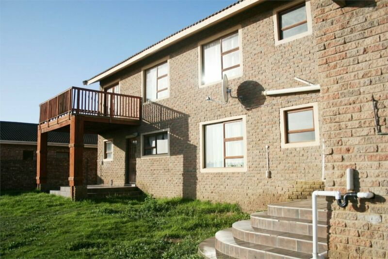 Large 7 bedroom home for sale in Heiderand, Mossel Bay.