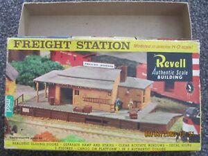 Revell-HO-model-train-freight-station-empty-box