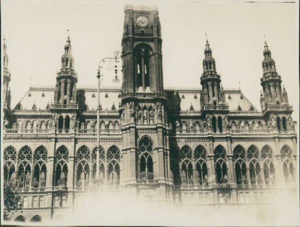 TempéRé Autriche, Vienne (wien), Rathaus Vintage Silver Print. Vintage Austria. Vienna.