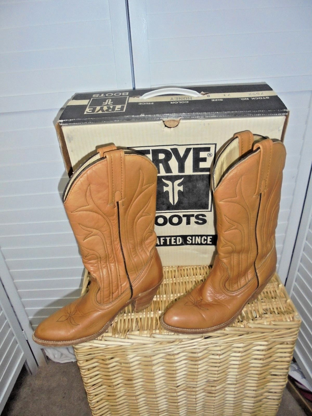 Frye womens light brown leather boots size 7.5 B  Made in USA